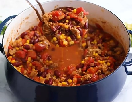 The Best Healthy Turkey Chili You'll Ever Eat 2