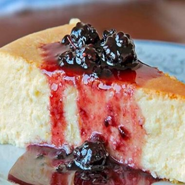 Smooth and Creamy New York Style Cheesecake Recipe